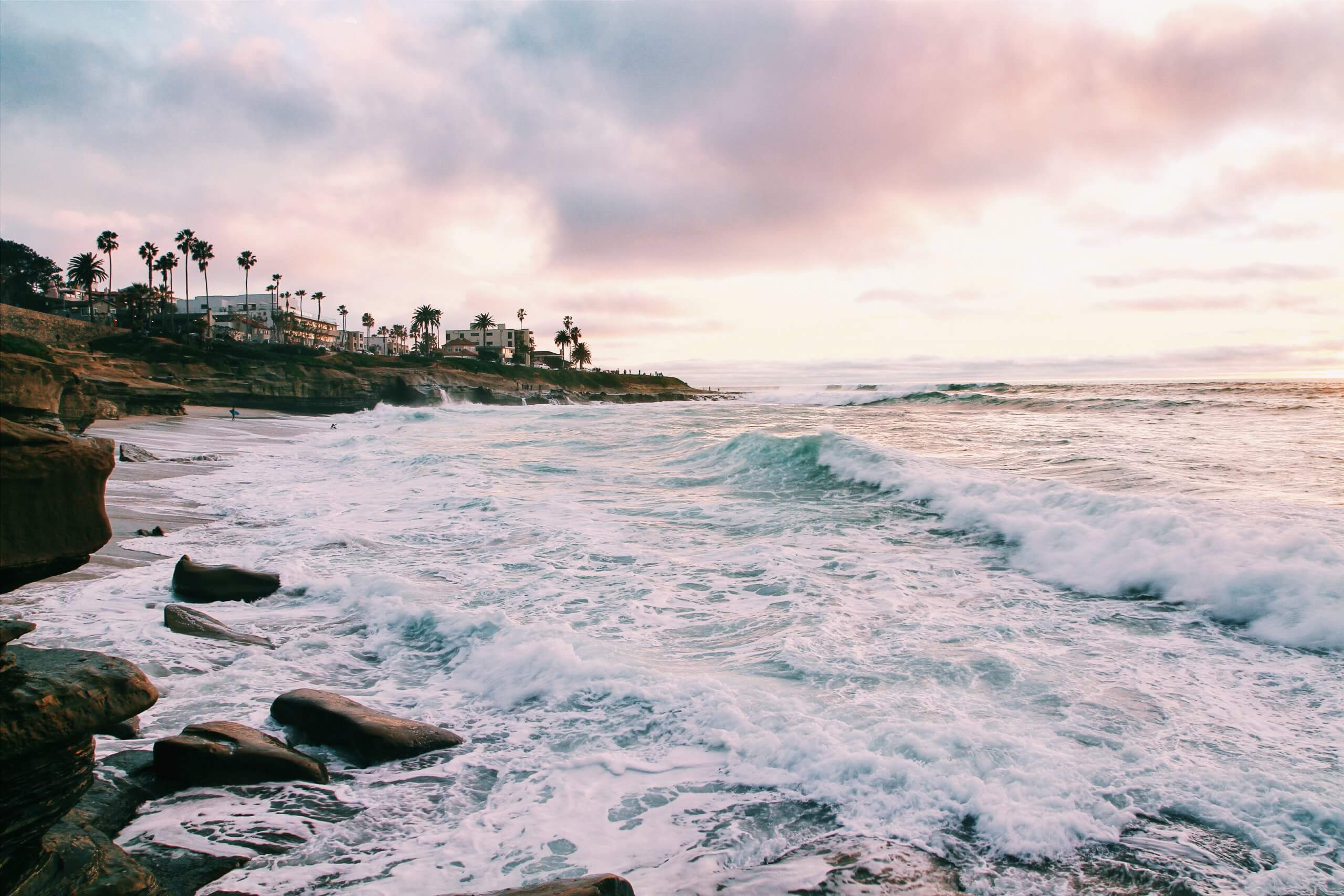 best US places to travel in October on a budget