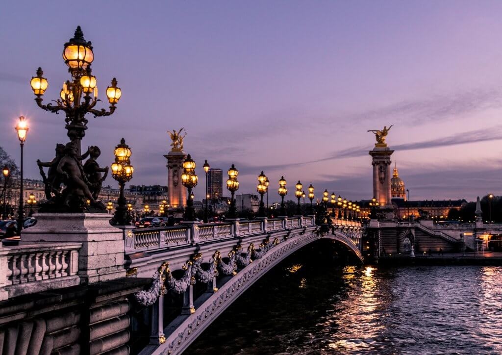 Bridge over the Seine River at dusk
